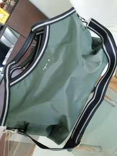 Angis B 旅行袋 9成新