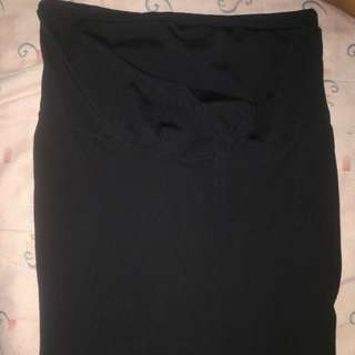 Black maternity skirt with adjustable garters