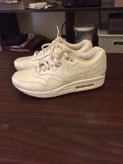 Air max 1 women pearl white