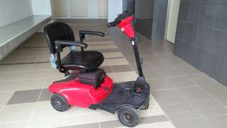 Electric ride-on wheelchair, 4 wheels, working condition