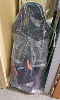 """PRICE REDUCE !!!!! """" EXTREME """" CAR SEAT BRAND NEW IN PLASTIC ( black & white in colour )"""