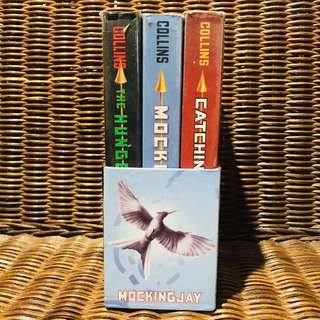The Hunger Games Box Set (Indonesian)