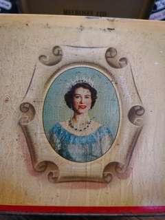 英女皇1953登基禮品