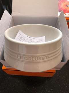 Le Creuset dog bowl medium size