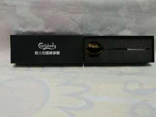 絕版全新 CARLSBERG 嘉士伯鏢神爭霸飛標造型原子筆一套 2 件
