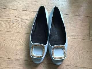 Roger Vivier - women's daily flat shoes replica