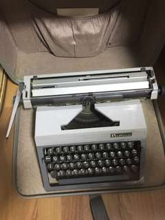 "Antique Typewriter  ""Optima"""