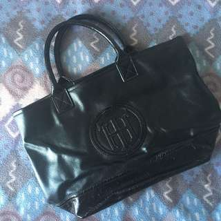 Tommy Hilfiger Black Handbag (Original)