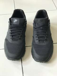 Sepatu NIKE AIR MAX 1 ULTRA ESSENTIAL BLACK AUTHENTIC