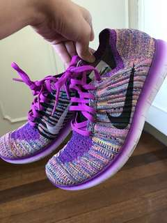 SALE!! PRICE DROP Nike Free Fly knit