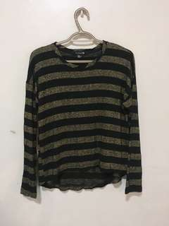 F21 struped long sleeves in black and gold