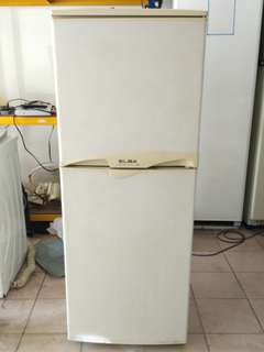 ELBA two door fridge...We give one month warranty if Anny problem we change or repair body condition 80% good Working condition 100% good You can call or SMS whatsup 01131838436