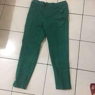Jeans wanita hijau