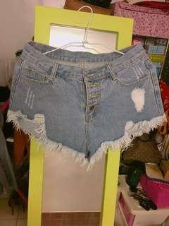 🚚 刷破牛仔短褲