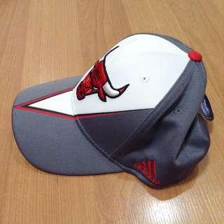 New:Adidas Chicago bulls gray cap