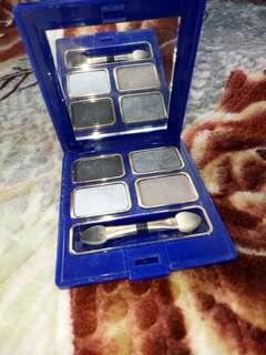 Inez eyeshadow