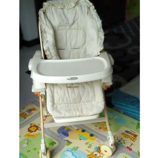 Combi - Rashule Baby Station cum high chair cum rocker