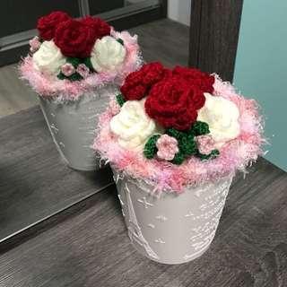Crochet flower -  6 stalks rose bouquet