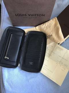 Authentic Louis Vuitton Wallet Organizer