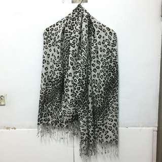 🚚 Not Stop豹紋圍巾