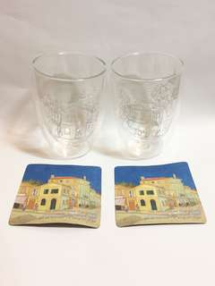 Van Gogh Senses The Yellow House glassware x 2pcs + 2 coasters, 黃屋油畫玻璃杯2隻連杯墊及包裝,高11.5cm, 直徑8cm, 全新