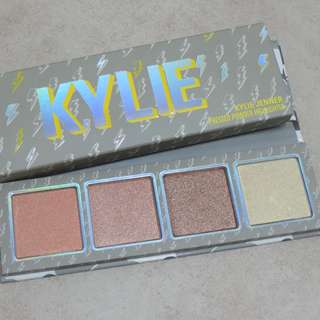 (NO DISCOUNT) Kylie Cosmetics - Weather Collection - Highlighter Palette