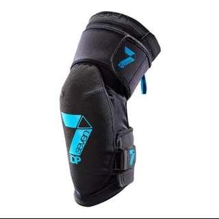 Seven Transition Knee Pad