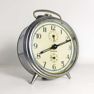 1950s Seikosha Manual Winding Alarm Clock (VTC-01-0218-68-1)