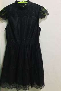 Little black dress with lace design