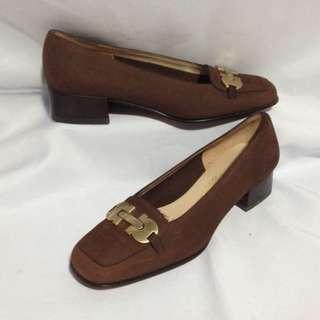 Authentic SALVATORE FERRAGAMO Nubuck Close Shoes Size 5 1/2C