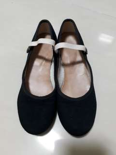 Ballet character shoes-Katz low heel in size 2