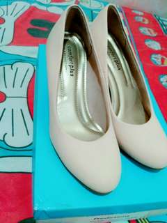 Sepatu comfort plus