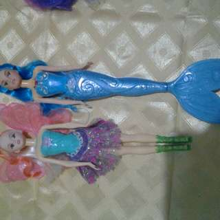 bundle of 2 dolls