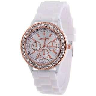 Woman white watch ( new!!1)
