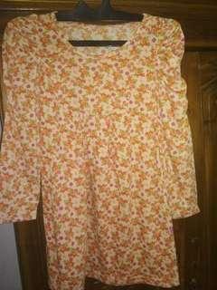 Baju bahan katun fit L kecil wrn orange motif bunga