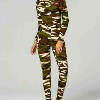 Camouflage Terno