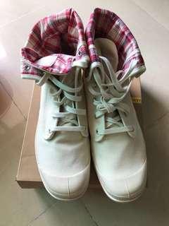 New Palladium size 46 米色鞋boots