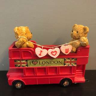 Lovey couple bears wedding decorations with London bus