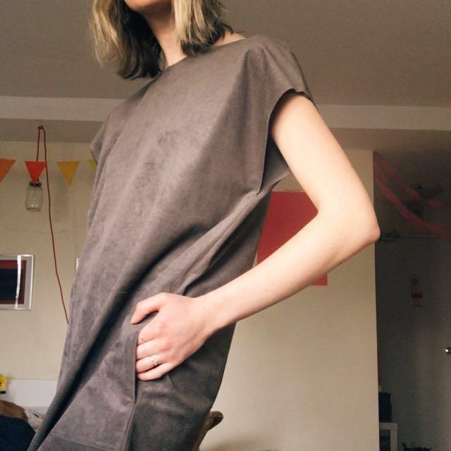 Aritzia wilfred free faux suede nori dress