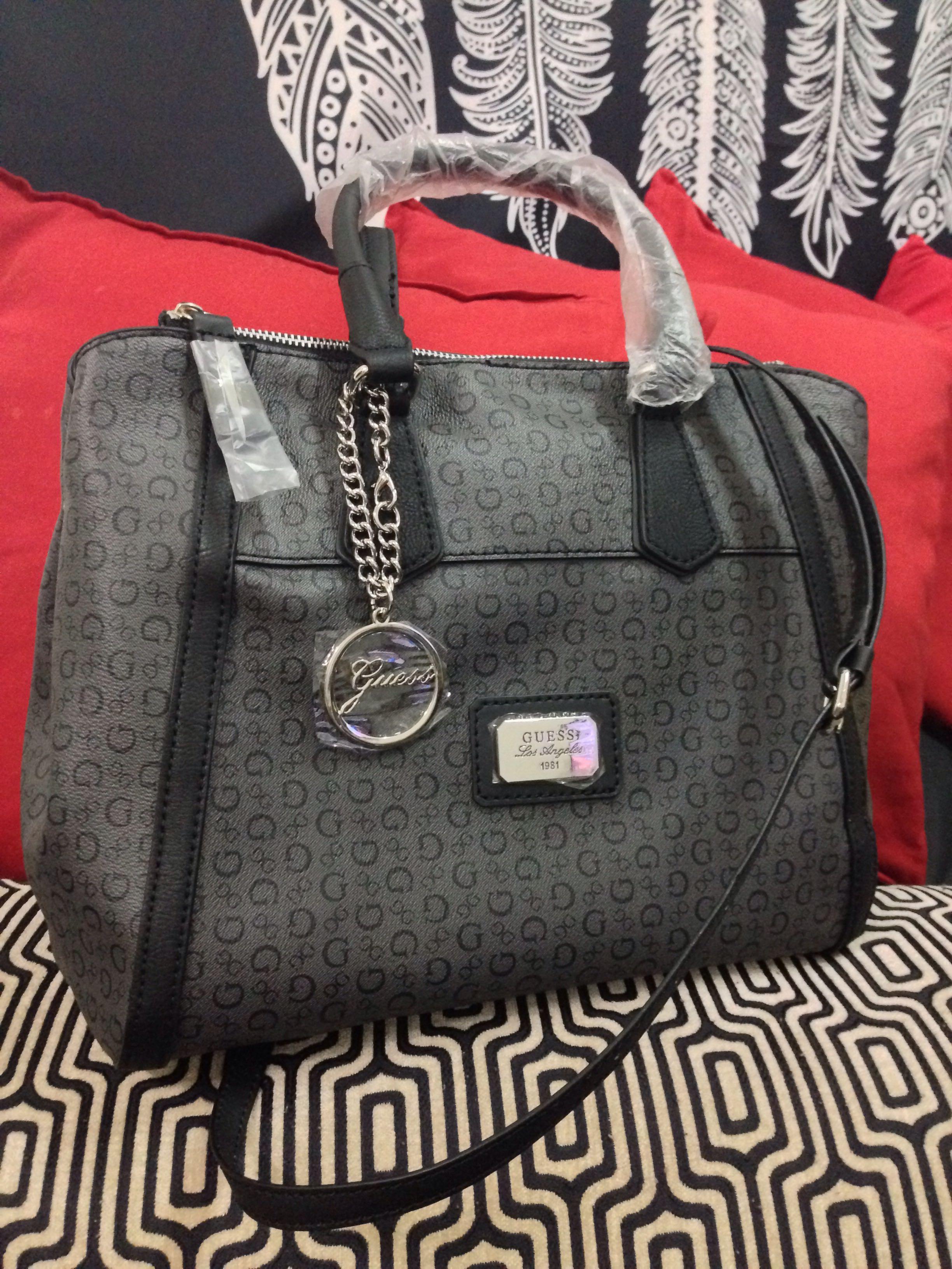 AUTHENTIC GUESS Truthfulness Carryall Crossbody Handbag 00a4910f5ec2d