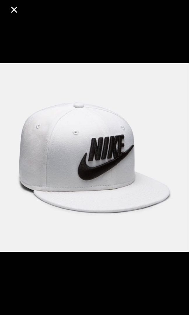 ef92f31a86361e AUTHENTIC NIKE FUTURA TRUE 2 SNAPBACK IN WHITE, Sports, Sports ...