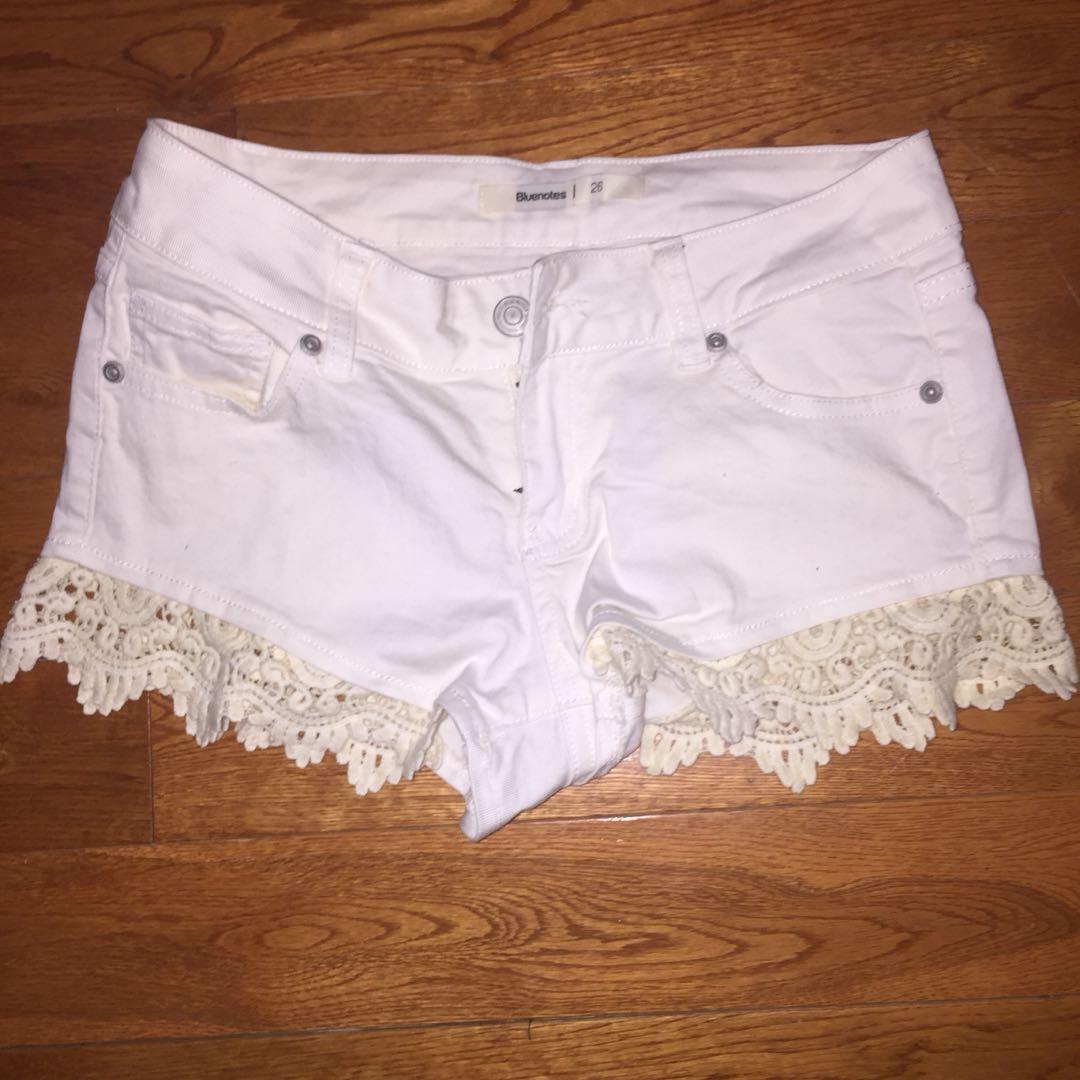Bluenotes white lace shorts