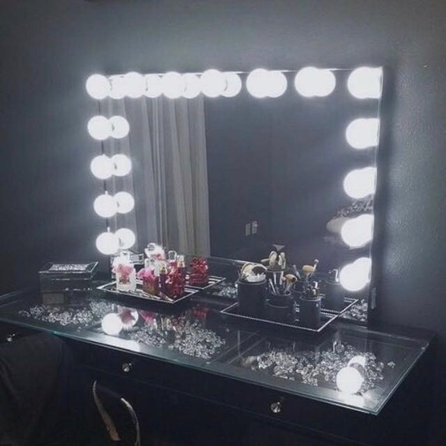 NEW IN BOX - BLACK MIRROR RELEASE - THE ULTIMATE SLAY STATION SET UP - 3 DRAWER GLASS TOP