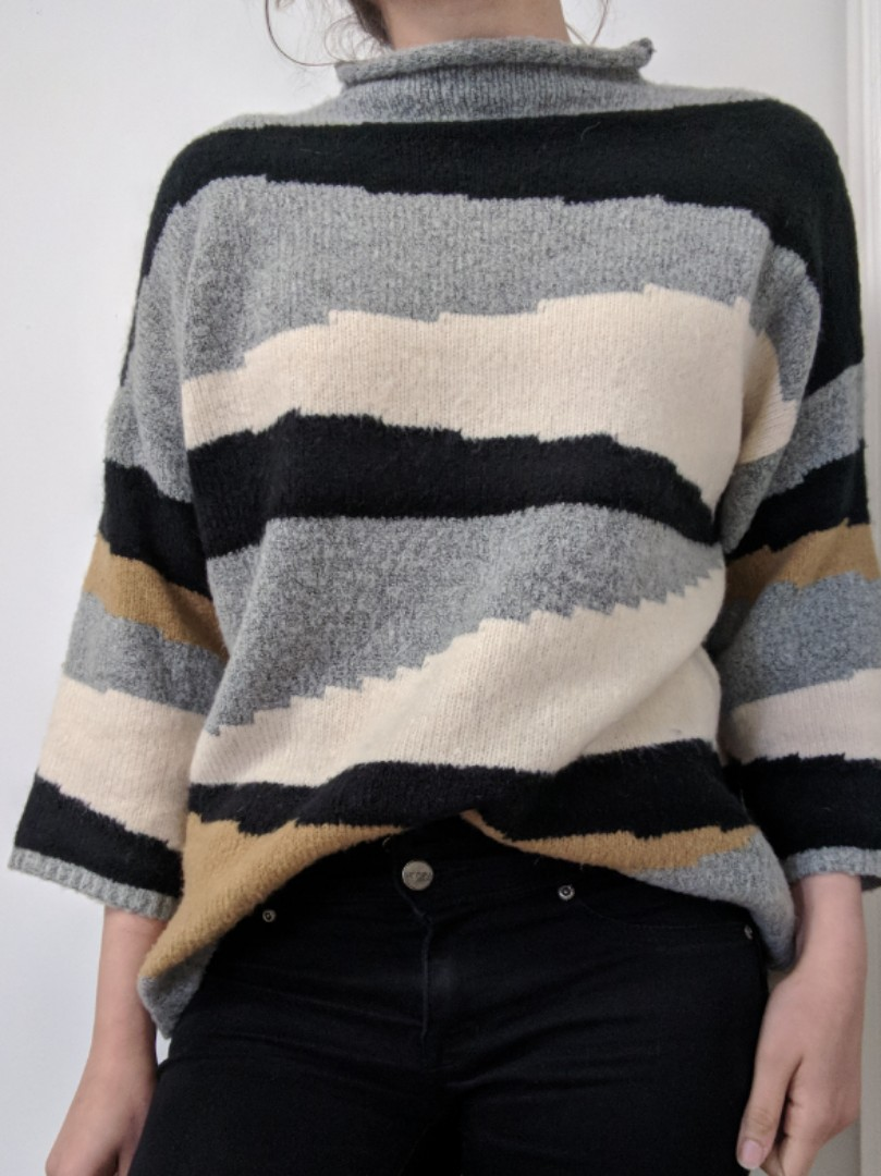 Patterned sweater XS