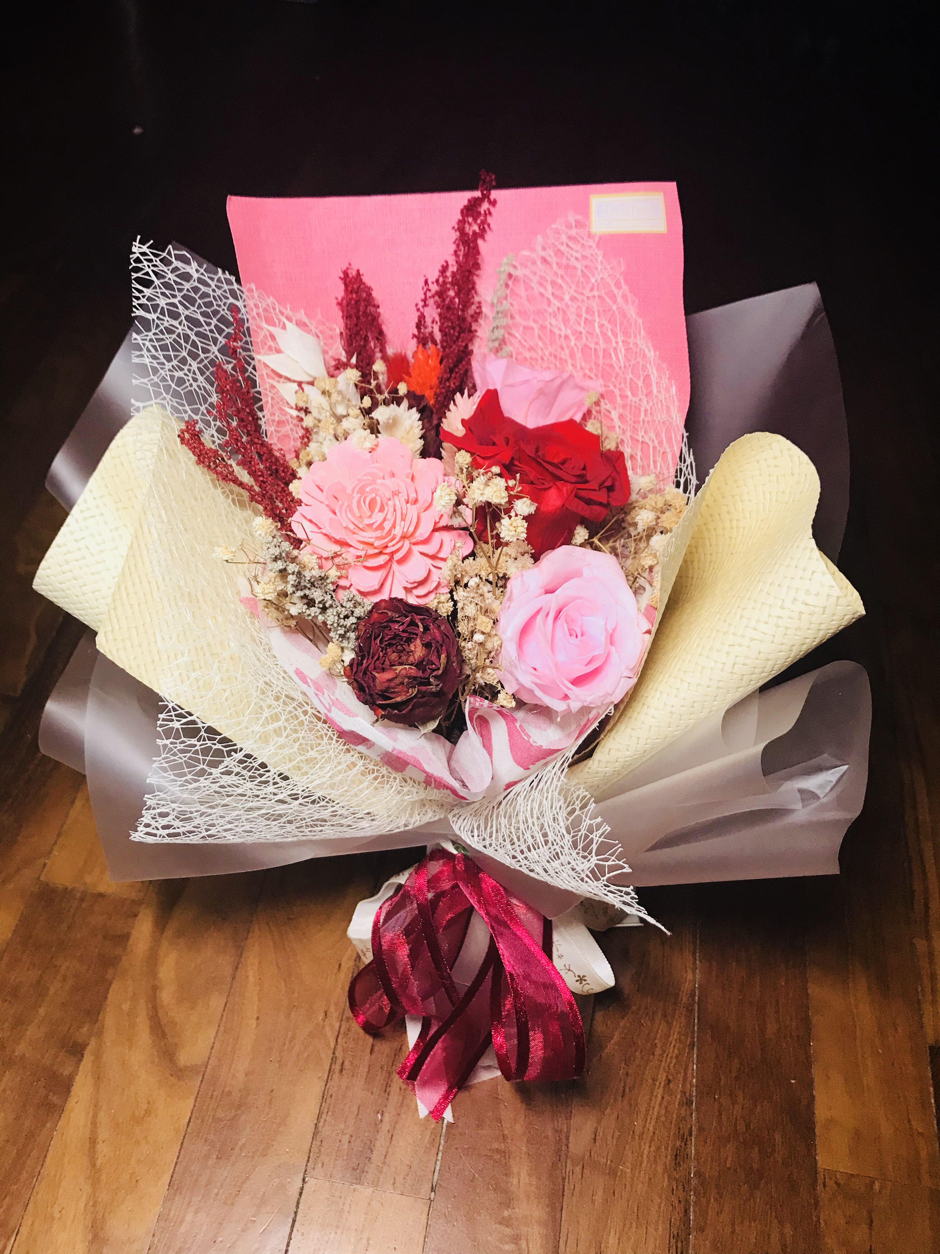 Preserved flower bouquet (medium), Design & Craft, Others on Carousell