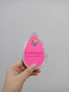 Blotterazzi beautyblender