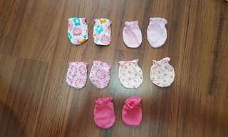 Baby mittens ( price for all )