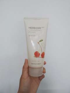 The Face Shop Herb Day 365 Cleansing Foam Acerola
