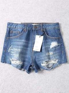 🚚 OshareGirl 04 美單街頭時尚造型字母塗鴉抓破牛仔短褲