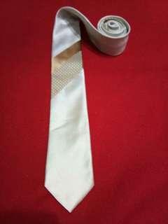 Authentic Van Heusen men's necktie